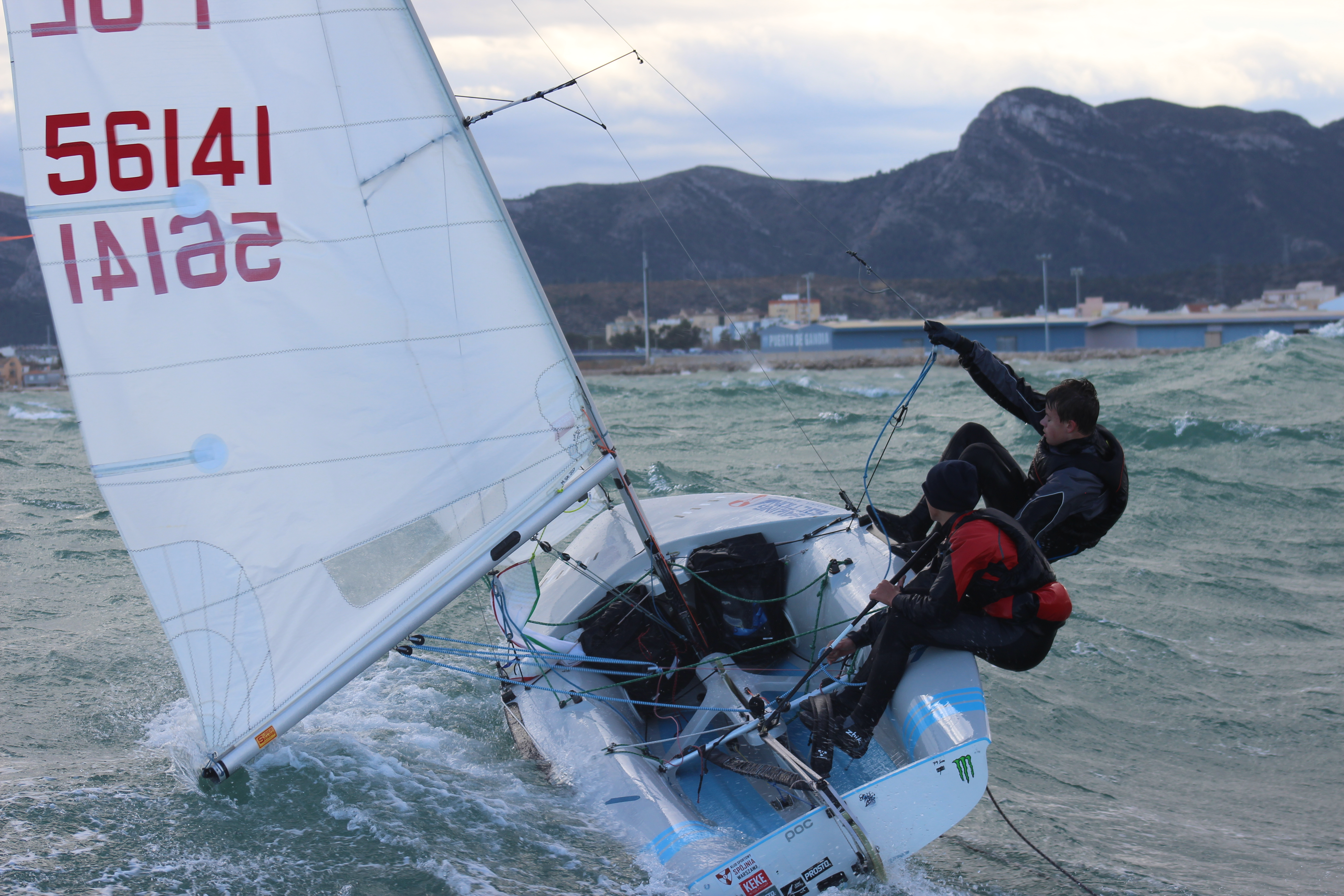 SAILING CAMP NR 7:     Spring warm-up  420 training session
